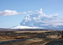 eyjafjallajokull podczas erupcji w 2010 roku